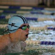 Florian Goltz (Jahrgang 2005) kämpft sich durch die 200m Lagen in der Wertung des Mittelfränkischen Nachwuchsmeisters Schwimmen